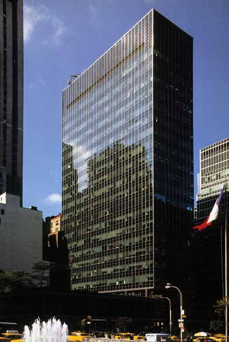 ludwig mies van der rohe the seagram building new york